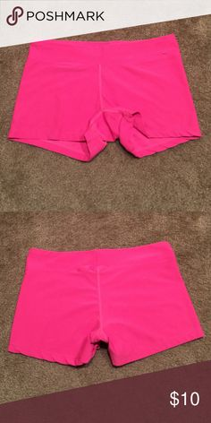 """Nike Dri-fit Running Shorts - Sz M Gently used shorts with no snags or stains.  I think they're a size medium but the tag was cut out.  For reference, the waist measures 14"""" laying flat.  I do offer a bundle discount so please check out the rest of my closet. 🙌🏻🤗 Nike Shorts"""