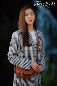 Crash Landing on You (사랑의 불시착) - Drama - Picture Gallery Korean Actresses, Korean Actors, Actors & Actresses, Korean Dramas, Korean Celebrities, Celebs, Seo Ji Hye, Jung Hyun, Kdrama Actors
