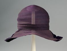 Cloche. Horsehair, silk. Franklin Simon & Co., ca. 1928. Brooklyn Museum Costume Collection at The Metropolitan Museum of Art, Gift of the Brooklyn Museum