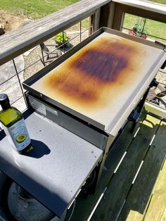 Learn How to Season a Blackstone Griddle Grill Propane Griddle, Griddle Grill, Clean Grill, How To Grill Steak, Grill Cleaning, Outdoor Griddle Recipes, Flat Top Griddle, Blackstone Grill, Hibachi Grill