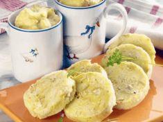 Recept na výborné hrníčkové knedle ze staršího pečiva – Hotové jsou raz dva! Dumplings, Mashed Potatoes, Pizza, Bread, Cheese, Ethnic Recipes, Food, Basket, Cooking