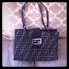 Authentic Fendi Authentic. Purchased at SFA . Great condition with dustbag !! Feel free to ask away! Serial 09158081001 FENDI Bags