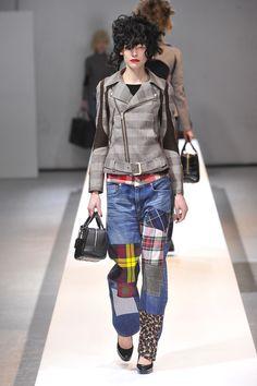 "JUNYA WATANABE COMME des GARÇONS x Loewe Collaboration Featuring Tweed Bag ""Amazona,"" Dresses and Others Paris FW #fashion #japanesefashion"