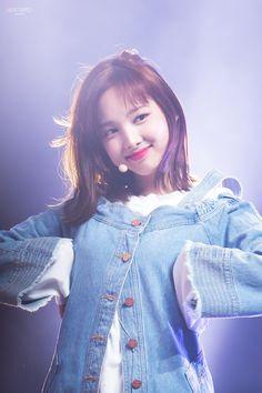 I'm like TT Just like TT Ireon nae mam moreugo neomuhae neomuhae I'm like TT Just like TT Tell me that you'd be my babytwice nayeon ttTwice wallpaper kpop wallpaper kpopr/kpics - Nayeon K Pop, Kpop Girl Groups, Korean Girl Groups, Kpop Girls, Oppa Gangnam Style, Sana Momo, Nayeon Twice, Twice Kpop, Dahyun