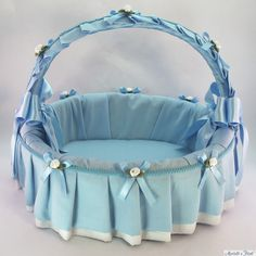 웨딩 바구니 - Recherche Google Rose Basket, Flower Girl Basket, Home Crafts, Diy And Crafts, Cristal Art, Trousseau Packing, Gift Envelope, Hat Boxes, Art N Craft