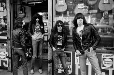 ≪≪american bohemianism ≫≫ | gimme-gimme-shock-treatment: Ramones, casual photo...