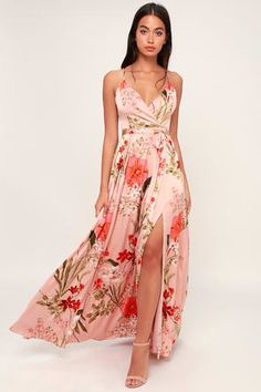 The Lulus Still the One Blush Pink Floral Print Satin Maxi Dress is a party favorite! Sleek, floral print satin shapes this maxi dress with a surplice bodice. Vestido Maxi Floral, Pink Floral Maxi Dress, Blush Pink Dresses, Mint Dress, Tropical Dress, Chiffon Maxi, Green Dress, Cute Dresses, Beautiful Dresses