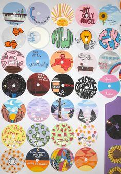 Indie Room Decor, Cute Bedroom Decor, Aesthetic Room Decor, Cd Wall Art, Cd Art, Vinyl Record Art, Vinyl Art, Retro Room, Diy Canvas Art
