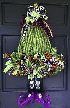 2016 Witch Hat with Legs Wreath Tutorial. This is similar to witch hat wreaths that we have done before using two straight ribbon rails, but today we used