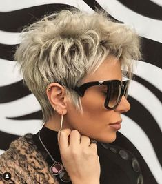 Short Choppy Hair, Short Grey Hair, Short Hair With Layers, Short Hair Cuts For Women, Short Hair Over 60, Black Hair, Haircut For Older Women, Haircut For Thick Hair, Cute Hairstyles For Short Hair