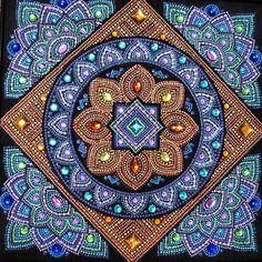 "Мандала ""Богатство и мудрость"" Mandalas Painting, Mandalas Drawing, Dot Painting, Fabric Painting, Henna Canvas, Mandala Canvas, Mandala Art, Geometric Patterns, Zentangle"