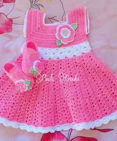 New knitting baby booties pattern crocodile stitch ideas Crochet Baby Dress Pattern, Crochet Baby Clothes, Baby Knitting Patterns, Baby Patterns, Crochet Patterns, Crochet Girls, Crochet For Kids, Baby Christening Dress, Crocodile Stitch
