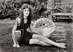 Ruth Malcomson was crowned Miss America in 1924 at the age of Her humble beauty speaks of the changing definition of beauty and the contrast in values 90 years ago.The Retro Post Junior Miss Pageant, Old Photos, Vintage Photos, Vintage Photographs, Miss America Winners, America 2, Miss Vietnam, Beauty Contest, Perfect World