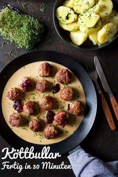 Köttbullar Rezept- Fertig in 30 Minuten und einfach super lecker. Cheap Dinners, Vegan Dinners, Whole30, Steak Bites, Evening Meals, Eating Habits, Restaurant, Dinner Recipes, Easy Meals