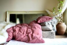Rusty Pink mano teñida natural lino (lino) lecho: cubierta del duvet (edredón/doona) y un par de juego tamaño estándar de fundas de almohada.