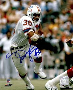 Main Line Autographs provides the best in sports collectables and memorabilia for great prices! Patriots Football, Football Memes, Football Players, Hawaii Sports, Nfl Uniforms, Nfl Photos, Usc Trojans, Boston Sports, Professional Football