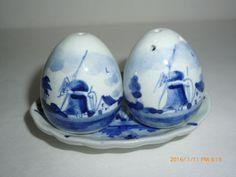 Mini Delft Blue White Windmill Salt Pepper Set & Tray Marked 168 DELFT HOLLAND