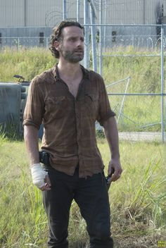 Rick Grimes (Andrew Lincoln) - The Walking Dead _ Season Episode 8 - Photo Credit: Gene Page/AMC Walking Dead Season 4, The Walking Dead 2, Alan Walker, Andrew Lincoln, Rick Grimes, Clint Eastwood, Dead Man, Daryl Dixon, Staying Alive
