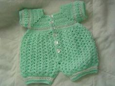 0005 Baby Boy Crochet Romper Pattern by por AlwaysCreateSeed