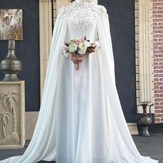 """281 Beğenme, 2 Yorum - Instagram'da свадебные абаи. (@asma__dress): """"Свадебная абая.🥰🥰🥰 🌹🌹🌹20000₽ #свадебныеплатья #платьядляникаха #платьядлямусульманок #платьявпол…"""" Hijabi Wedding, Muslimah Wedding Dress, Muslim Wedding Dresses, Bridal Dresses, Hijab Dress, Muslim Women, Modest Dresses, Marie, The Dress"""
