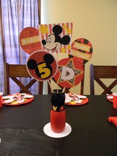 Super cute Mickey Mouse birthday party