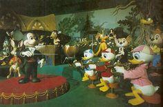 (adsbygoogle = window.adsbygoogle    []).push(); Una patente de Disney revela un plan para crear robots blandos que puedan interactuar con niños y adultos. Los parques de atracciones de Disney son especiales por muchas razones, más allá de las atracciones en si; el ambiente es...