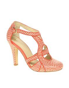 zigzag heels - love them!