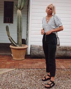 Teva sandals lead list of top fashion trends Flatform Sandals Outfit, Sandals Outfit Summer, Black Sandals Outfit, Teva Flatform, Summer Outfits, Top Fashion, Fashion Week, Fashion Outfits, Fashion Trends