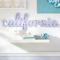 california wood word decor // travel inspiration!