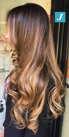 Passione per le sfumature Degradé Joelle! #cdj #degradejoelle #tagliopuntearia #degradé #igers #musthave #hair #hairstyle #haircolour #longhair #ootd #hairfashion #madeinitaly #wellastudionyc