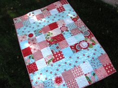 Oh, I wish I could quilt....lovely baby quilt tutorial.