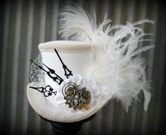 White Linen Queen Bee Steampunk Wedding, Alice in Wonderland Mini Top Hat, Tea… Steampunk Couture, Steampunk Hat, Steampunk Wedding, Mad Hatter Hats, Mad Hatter Tea, Cute Hats, Queen Bees, Playing Dress Up, Alice In Wonderland