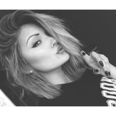 kylie jenner <3 so fucking beautiful i am gonna die! 0.o/
