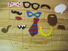 Foto-Verkleidungen für lustige Geburtstagsfotos selber basteln: Anleitung und Schablonen zum kostenlosen Download auf http://www.babinjo.de/basteltipps/photo-booth-verkleidungen/
