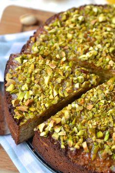 Pistachio & Lemon Cake | Every Last Bite Paleo Dessert, Dessert Sans Gluten, Gluten Free Cakes, Gluten Free Baking, Gluten Free Desserts, Baking Recipes, Cake Recipes, Dessert Recipes, Pistachio Dessert