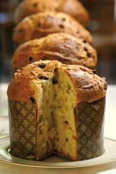 Pan dulce panettone (Muy Facil y Rico) Authentic Mexican Recipes, Easy Bread Recipes, Sweet Recipes, Real Food Recipes, Simple Sweet Bread Recipe, Panettone Bread, Italian Panettone, Christmas Bread, Italian Christmas