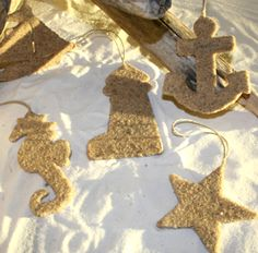 Completely Coastal Living: Cute Beach Sand Ornaments and DIY Tutorial