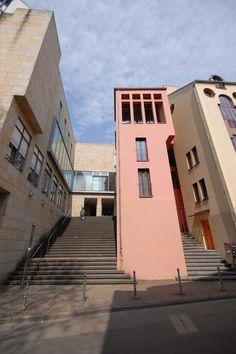 Charles Moore | Viviendas urbanas de la reconstrucción de la Saalgasse | Frankfurt, Alemania | 1984