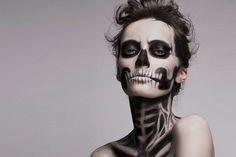 Que tal maquillar tu cara para Halloween? Un disfraz sencillo también es divertido, aquí tenemos varias ideas: http://www.adoleteen.com/entretenimiento/halloween-sencillo-super-ideas-para-maquillar-solo-tu-cara/