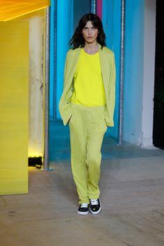 http://www.fashionsnap.com/collection/zadig-voltaire/2015ss/gallery/index5.php