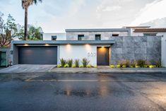 55 Ideas for exterior facade design apartments House Gate Design, Facade Design, Modern House Design, Exterior Design, Architecture Design, Exterior Signage, Wall Exterior, House Entrance, Facade House