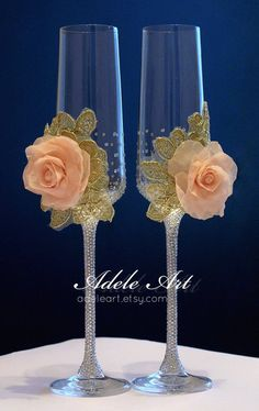 Personalized Champagne Wedding Flutes gold and pink rose, Set of 2, Wedding glasses, Bride and Groom