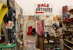 Antique Plaza is located at 114 W. Main St. in downtown Mesa, Arizona. Our Annex is 2 doors to the West at 120. It is on the North West corner of Main St. and McDonald. Next to fine local restaurants, shops and lodging, Antique Plaza is the perfect place to spend an afternoon. Three hour …