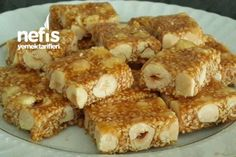 rezept Krokan with Sesame and Hazelnut (Great Snack) Recipe Best Cookie Recipes, Easy Cake Recipes, Snack Recipes, Greek Cooking, Cooking Time, Yummy Snacks, Yummy Food, How To Roast Hazelnuts, Turkish Recipes