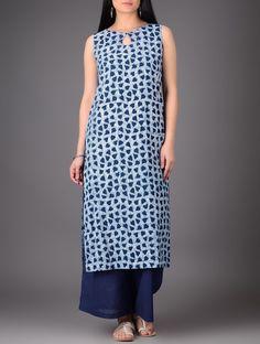 Salwar Neck Designs, Kurta Neck Design, Dress Neck Designs, Kurta Designs Women, Blouse Designs, Boat Neck Kurti, Kurti Neck, Kurta Patterns, Dress Patterns