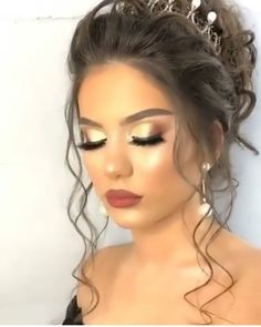 Amazing Wedding Makeup Tips – Makeup Design Ideas Dramatic Wedding Makeup, Wedding Makeup Tips, Formal Makeup, Wedding Makeup Looks, Wedding Makeup Artist, Day Makeup, Bride Makeup, Bride Hairstyles, Trendy Hairstyles