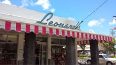 The Iconic Bakery In Hawaii Everyone Has Fallen In Love With