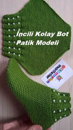 İncili Kolay Bot Patik Modeli Not in English but cool slipper construction idea. İncili Kolay Bot Patik Modeli Not in English but cool slipper construction idea. Image gallery – Page 438397344977460084 – Artofit Easy Boot Boots with pearls - Knittin Knitting Designs, Knitting Patterns Free, Free Knitting, Knitting Projects, Baby Knitting, Crochet Projects, Crochet Patterns, Crochet Ideas, Crochet Tutorials
