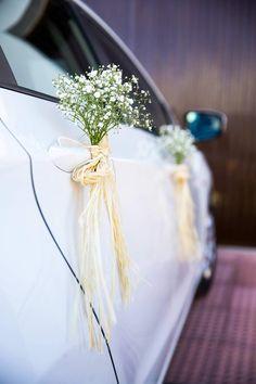 Wedding Prep, Wedding Stage, Wedding Planning, Wedding Backdrop Design, Wedding Car Decorations, Wedding Favors, Just Married Car, Bridal Car, Diy Wedding Flowers