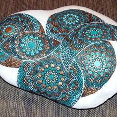 #stoneart #stonepainting #paintrock #paintedrocks #paintingdots #dotartwork #stonepaint #dots #beautifulstone #stone #handpaintedrocks #handmade #turkoise #bronze #finished